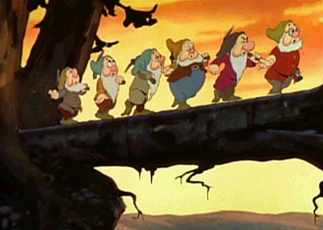 snow_white_1937_trailer_screenshot_2
